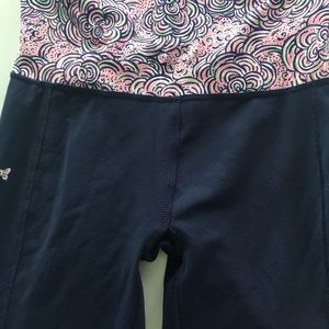 Lilly Pulitzer Pants - Lilly Pulitzer XS Navy Workout athletic yoga pants